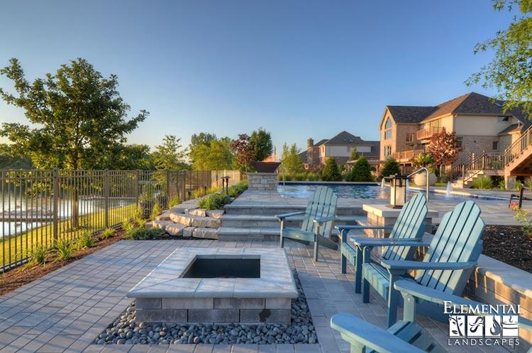 Unilock Lineo wall with Unilock Artline paver patio